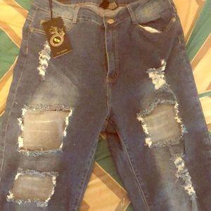 Fashion Nova Needing something jeans